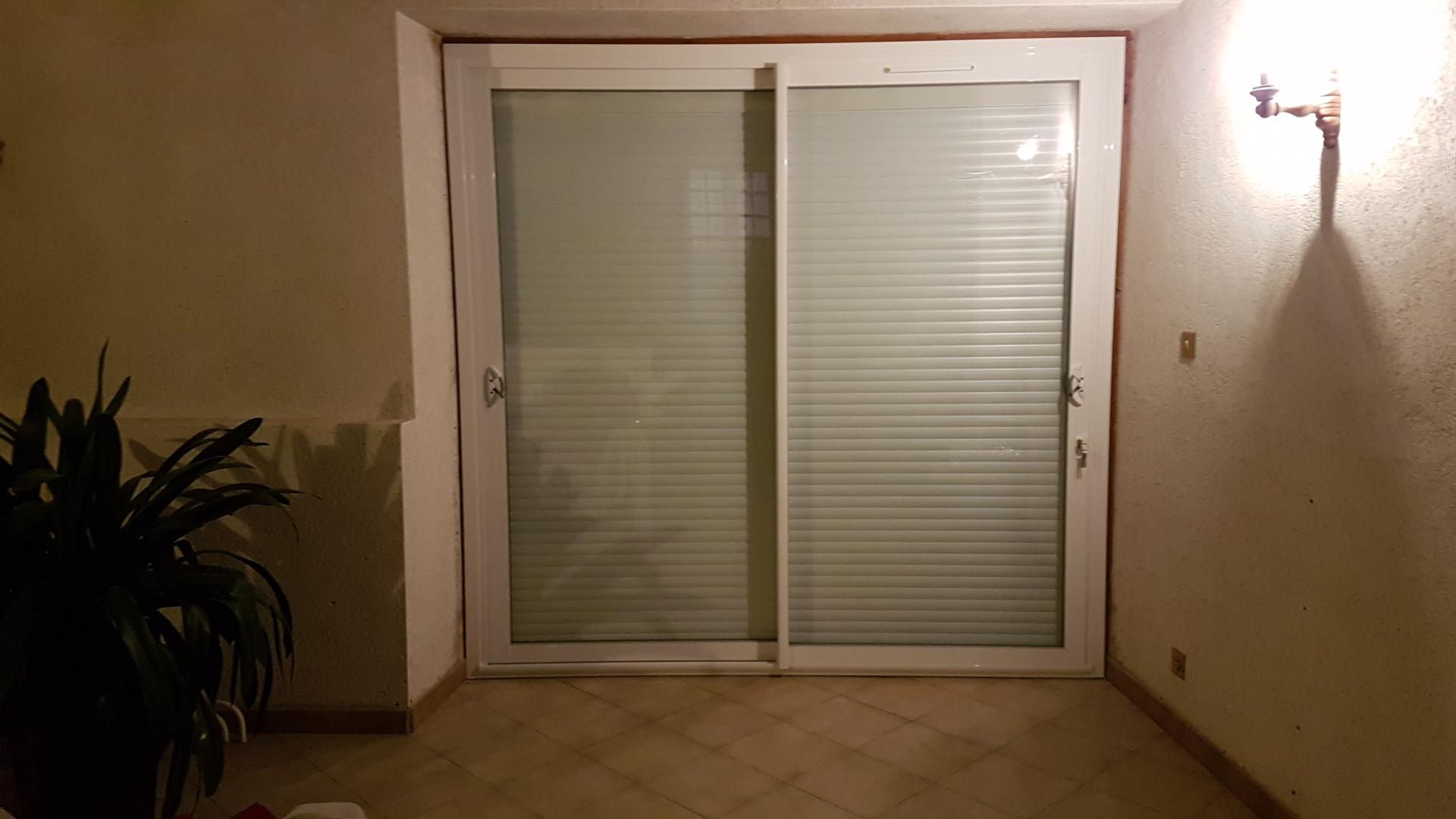 baie vitrée aluminium blanc