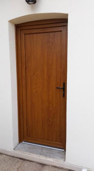 Porte de service PVC Plaxé chêne doré