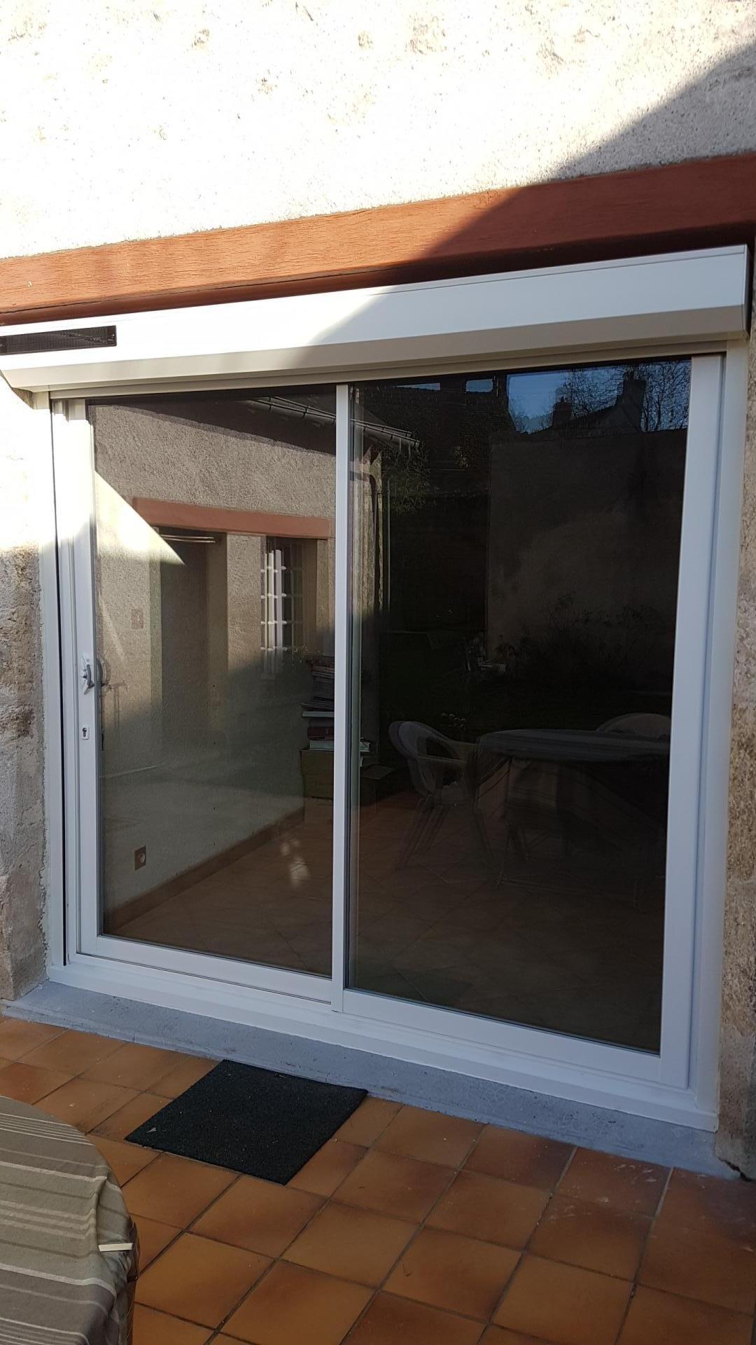Baie vitree aluminium blanc 2 vtx avec volet roulant solaire